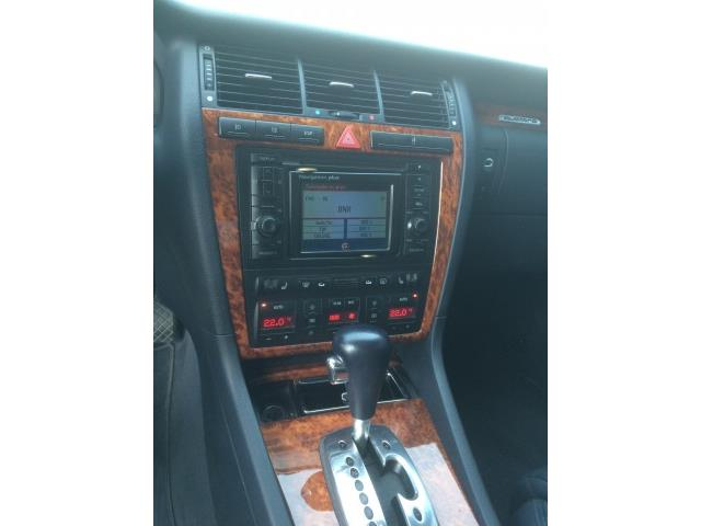 Audi A8 4.2 V8 - 12