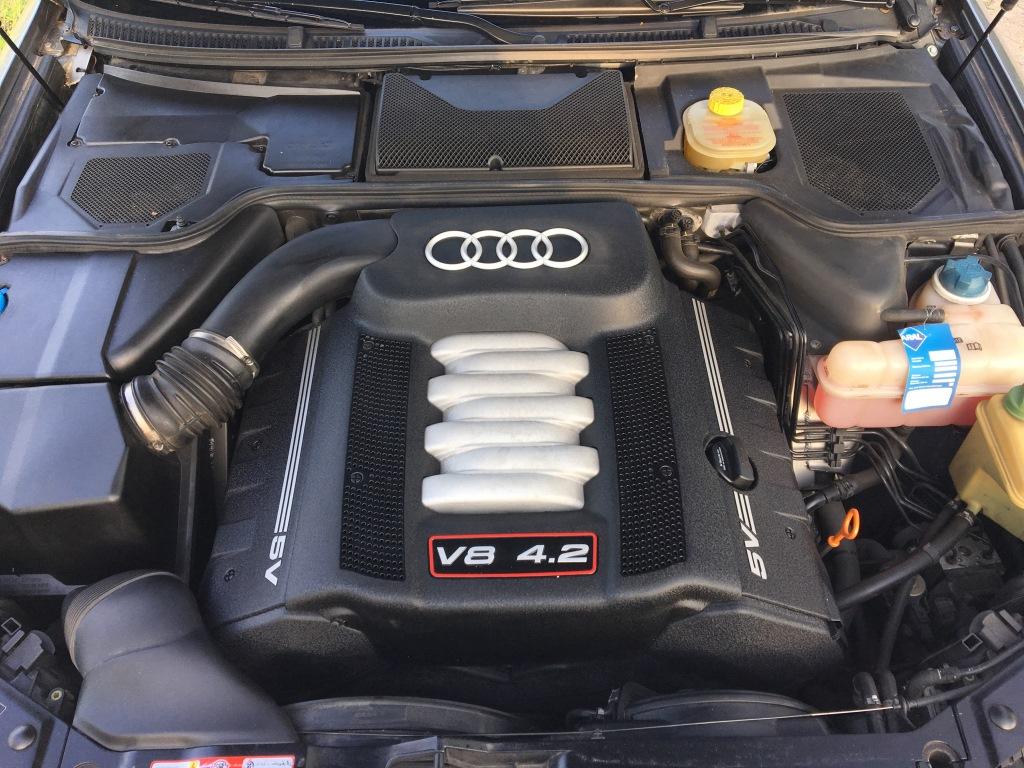 Audi S8 4.2 V8 Quatro automaat 04