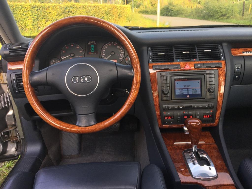 Audi S8 4.2 V8 Quatro automaat 10