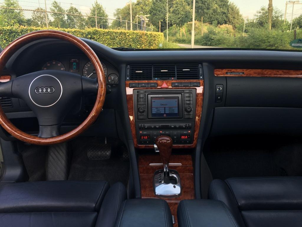Audi S8 4.2 V8 Quatro automaat 12