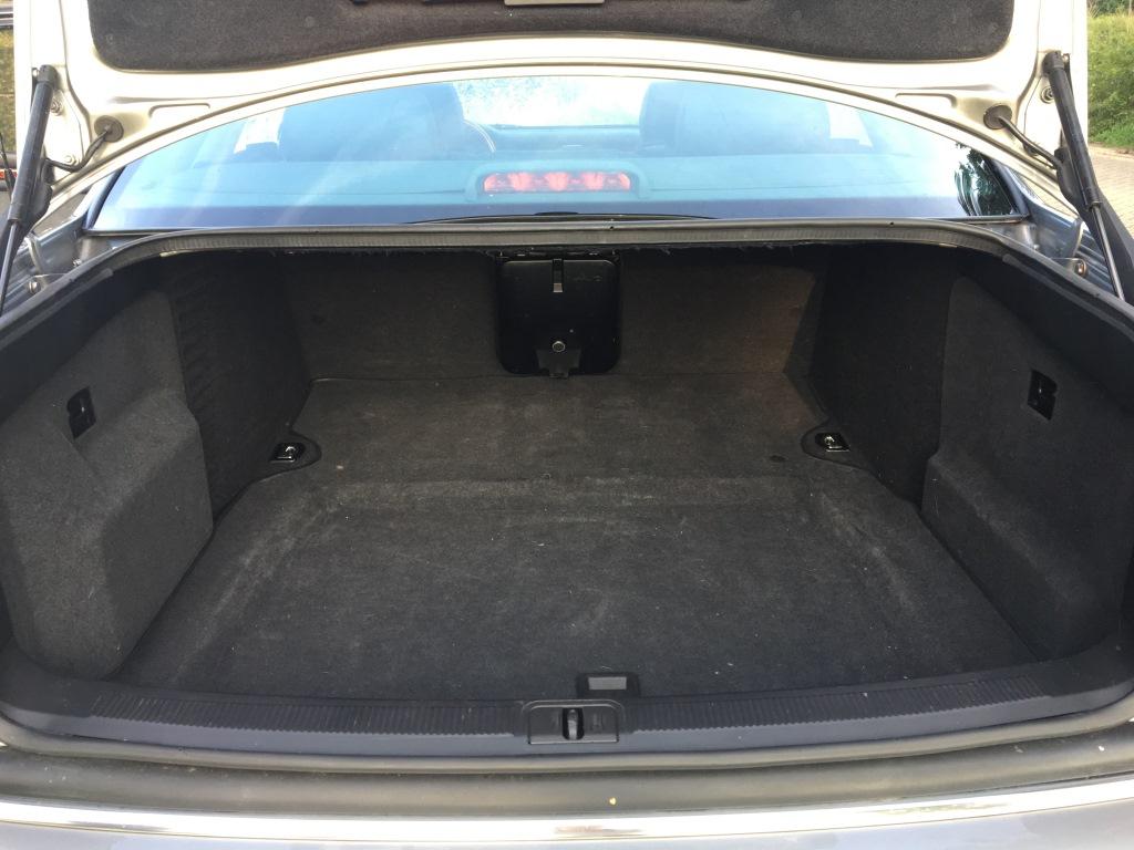 Audi S8 4.2 V8 Quatro automaat 15