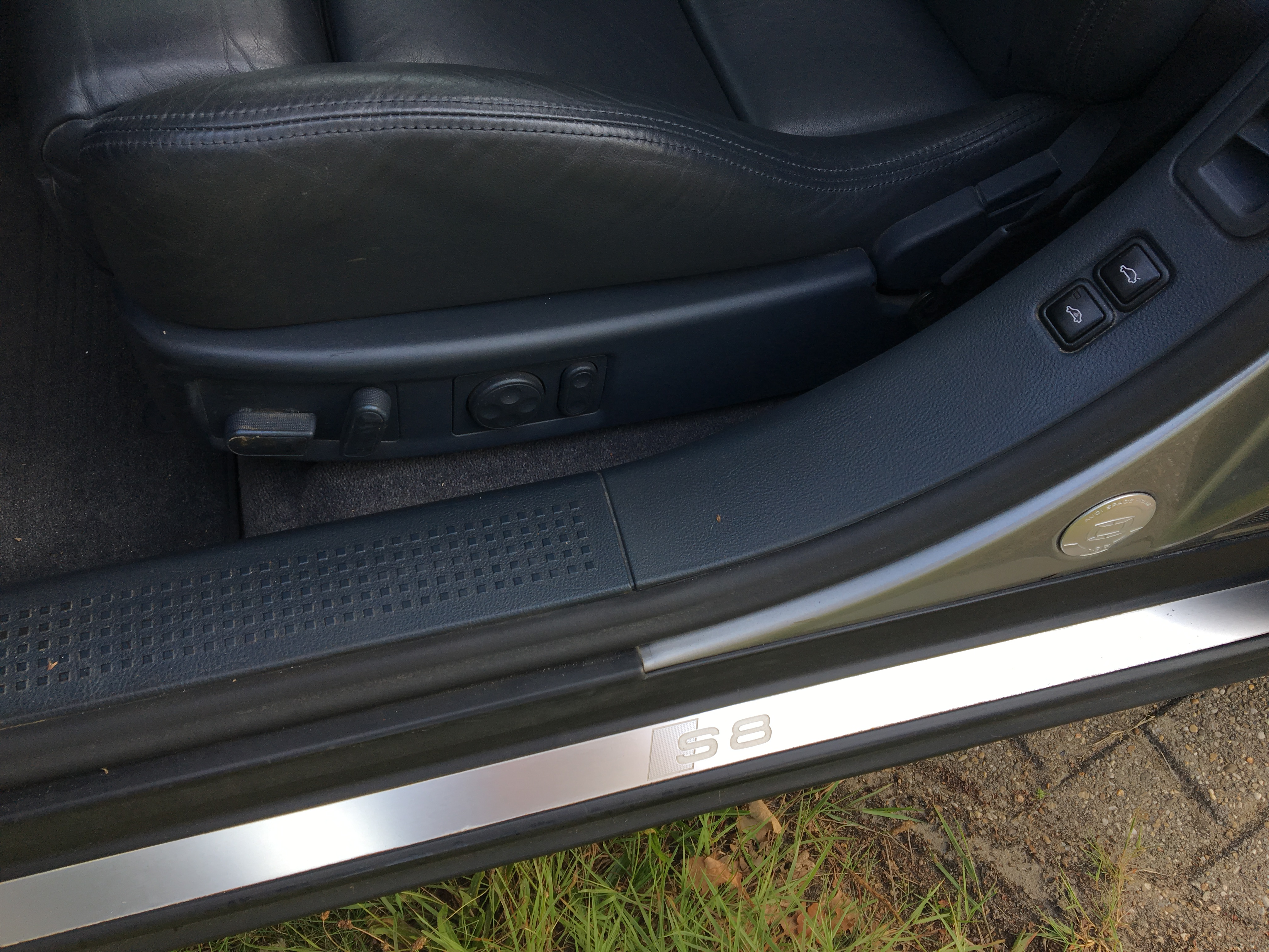Audi S8 4.2 V8 Quatro automaat 20