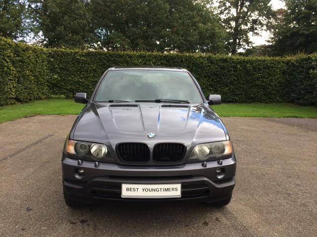 BMW X5 4.4i Executive - 06