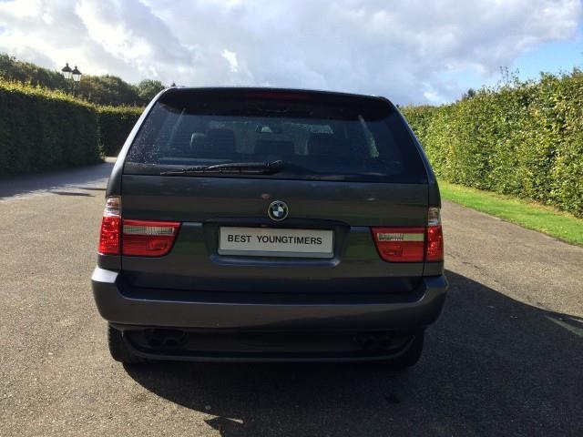 BMW X5 4.4i Executive - 08