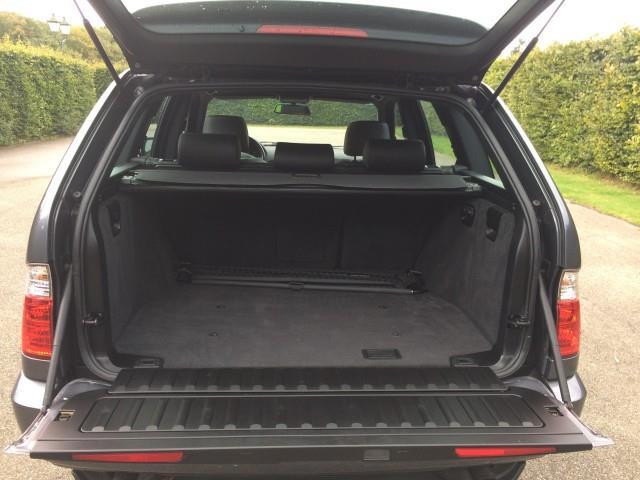 BMW X5 4.4i Executive - 09