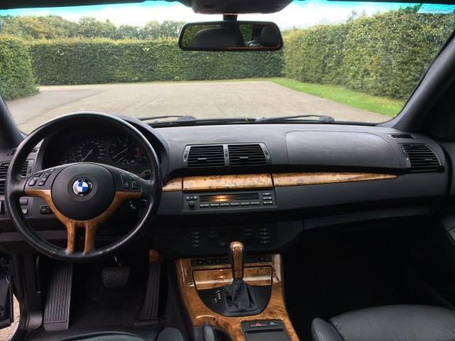 BMW X5 4.4i Executive - 15