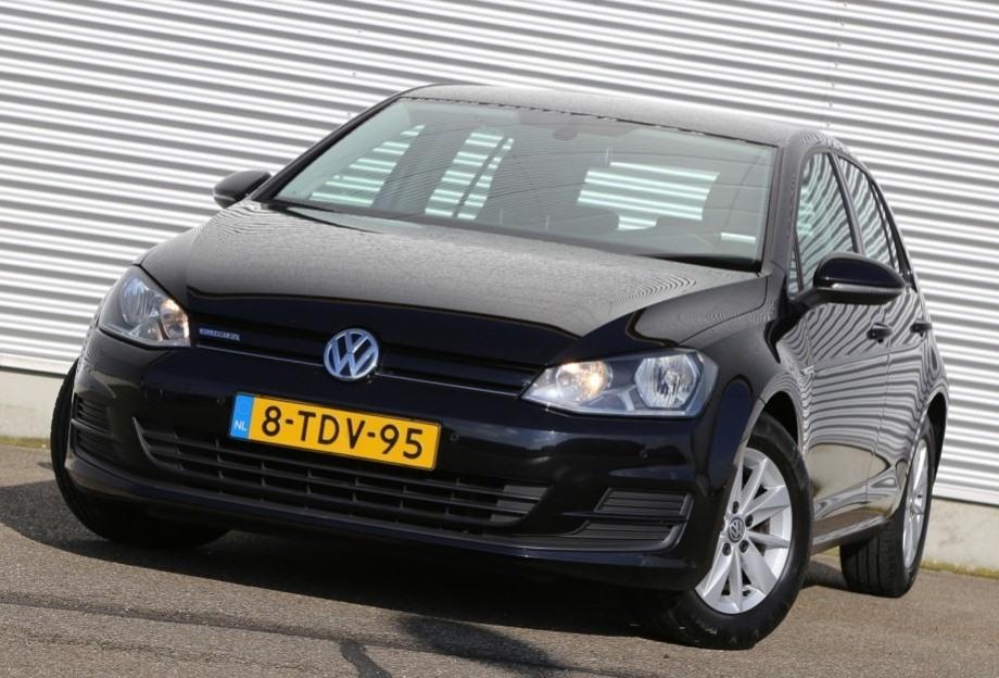 Volkswagen Golf 1.6TDI -01