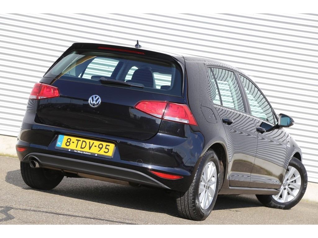 Volkswagen Golf 1.6TDI-03