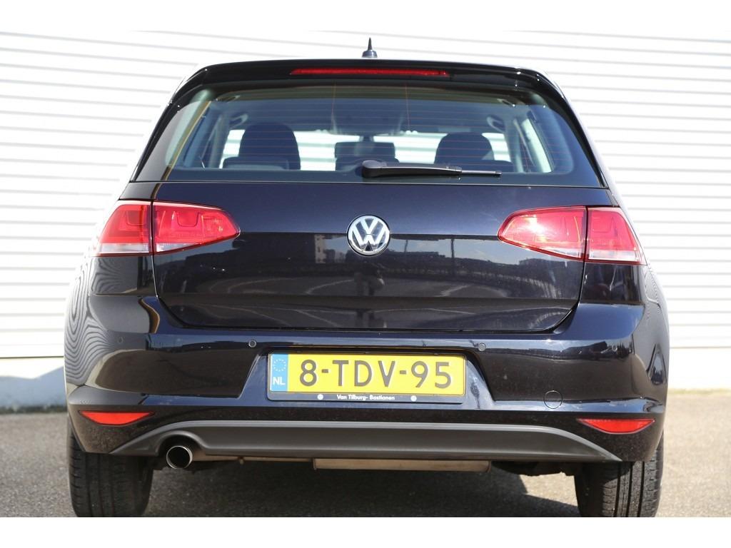 Volkswagen Golf 1.6TDI-04