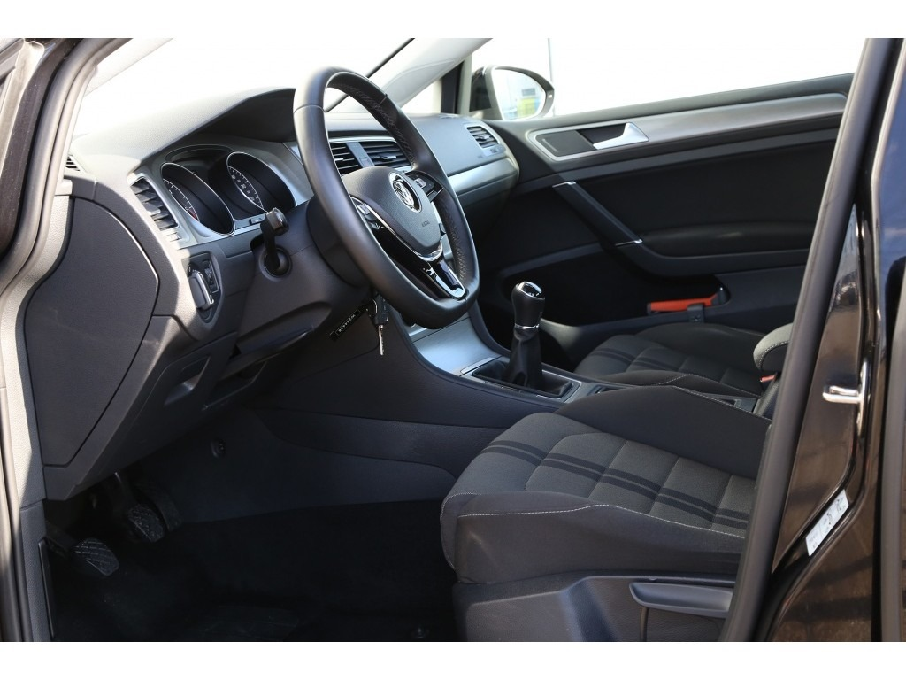 Volkswagen Golf 1.6TDI-06a