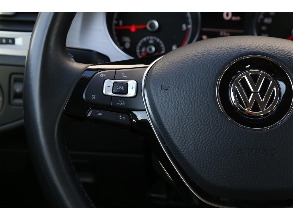 Volkswagen Golf 1.6TDI-07