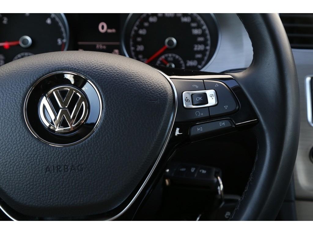 Volkswagen Golf 1.6TDI-07a