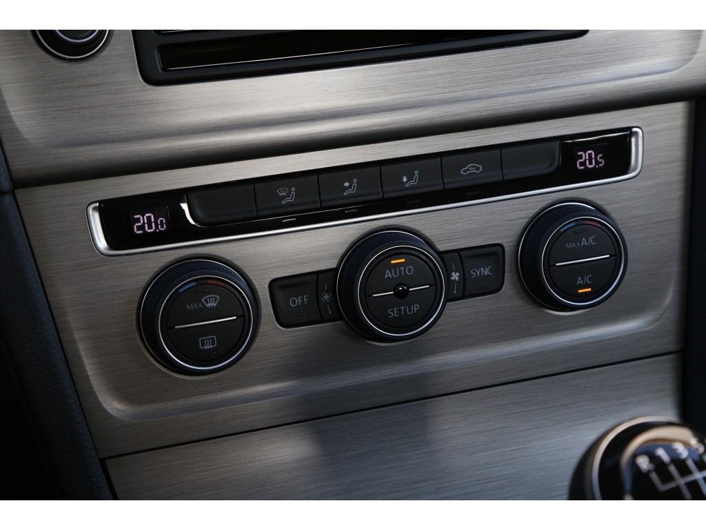 Volkswagen Golf 1.6TDI-11
