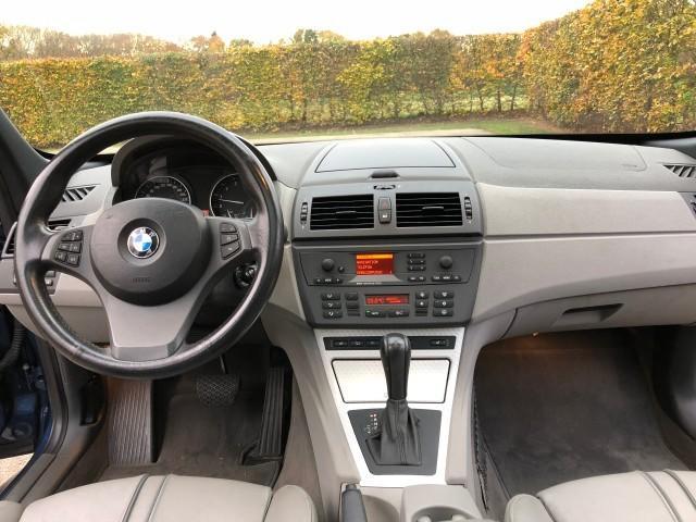 BMW X3 3.0i Exe Sport-11