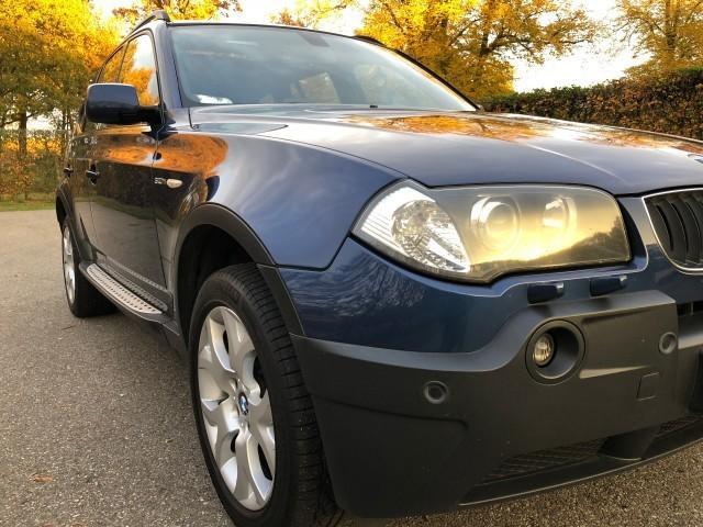 BMW X3 3.0i Exe Sport-30