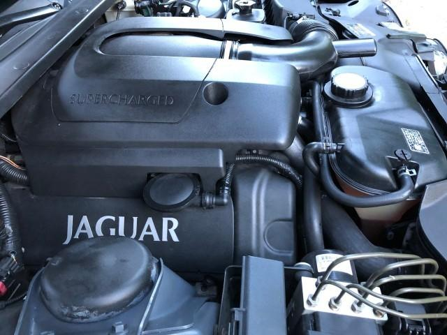 Jaguar S-Type R Supercharged 030