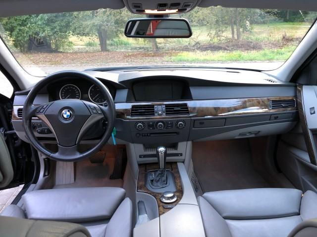 BMW 545 BMW iA E60 High Exec 011
